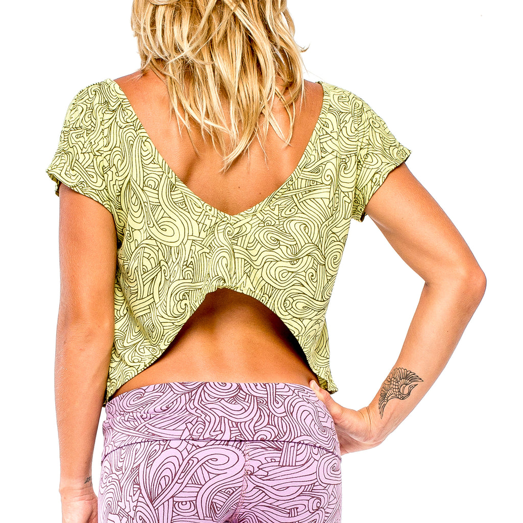 BUTTERFLY TOP Natural Myst Lime/Dark Green (back view) PEACEfits