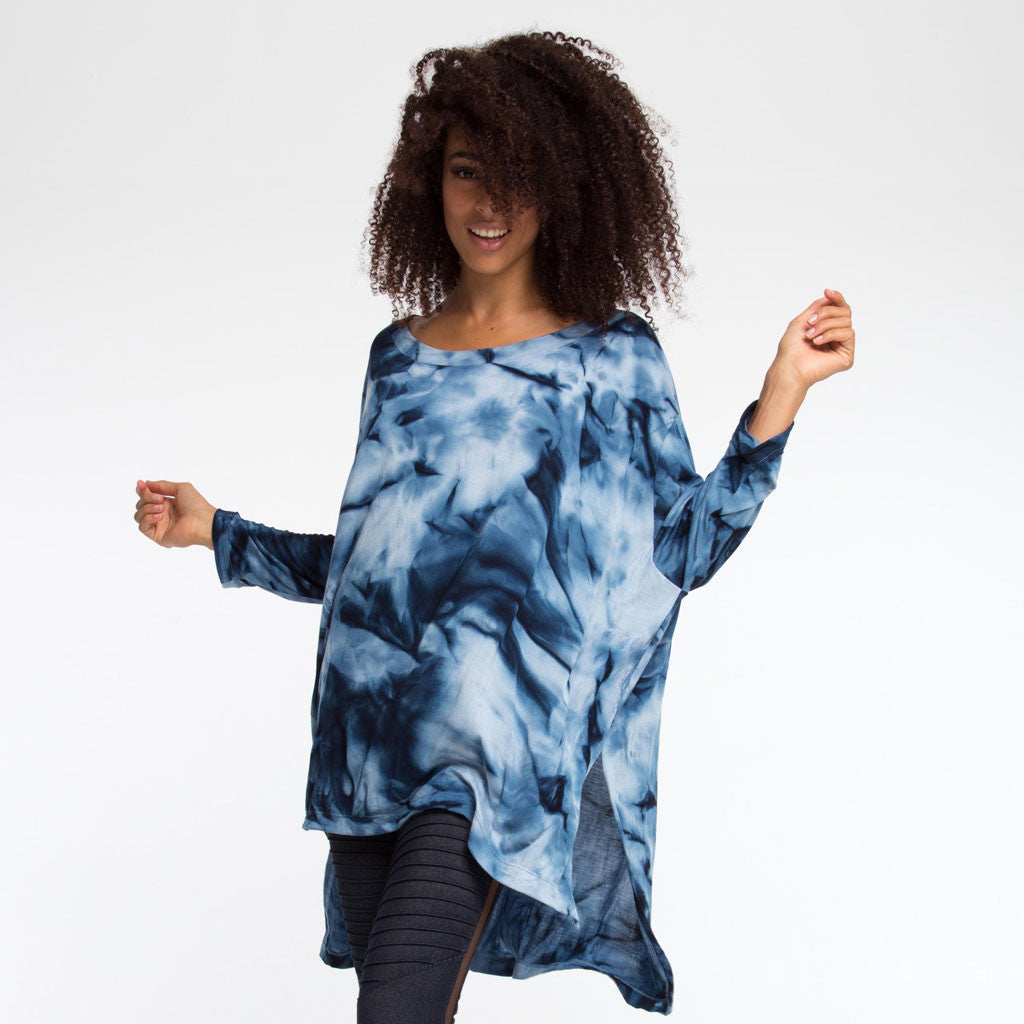 Women's Top - FREEFORM LONG SLEEVE SHIRT - Smoke Dye - Indigo Sky - PEACEfits