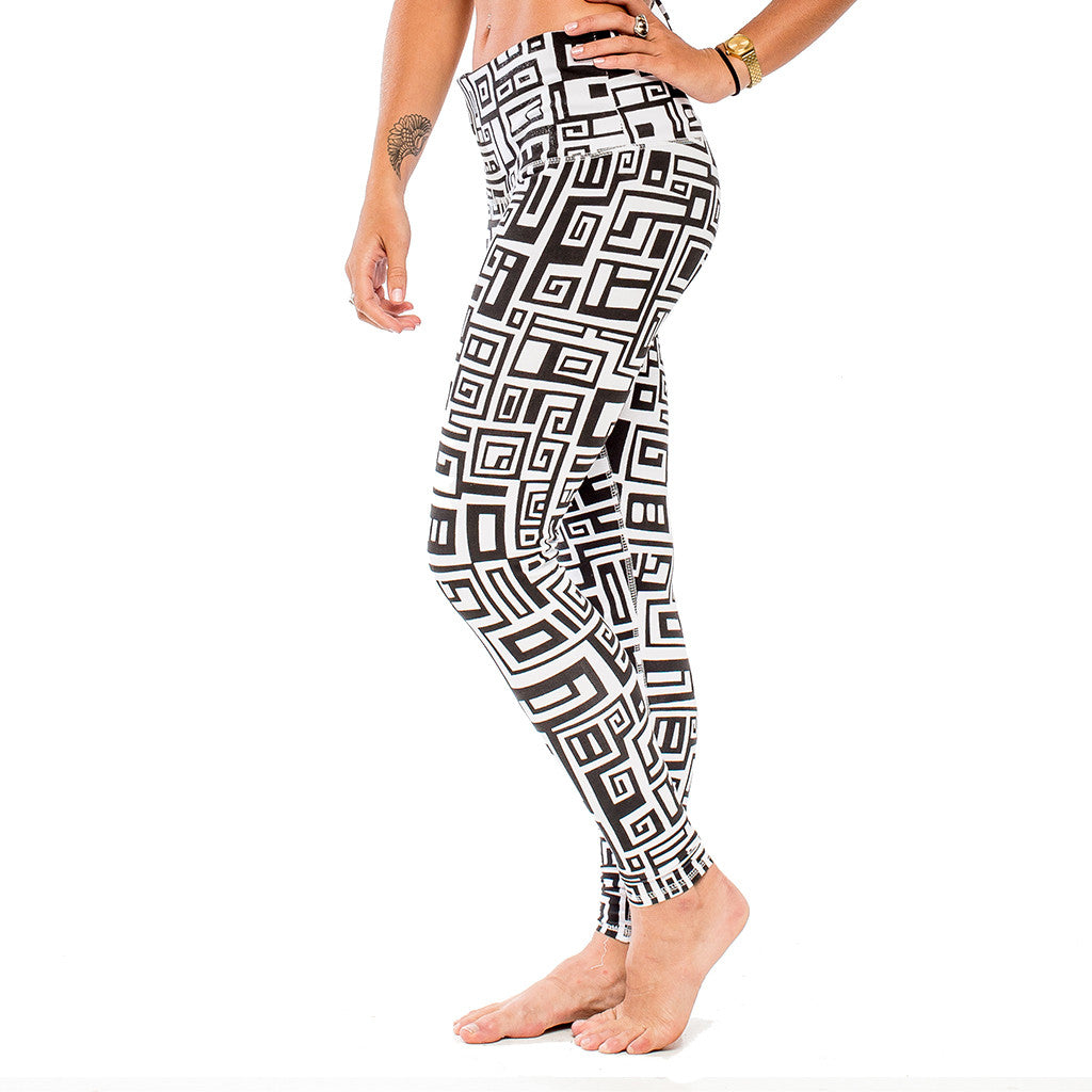 YOGA LEGGING BIG FUNK White/Black (side view) PEACEfits