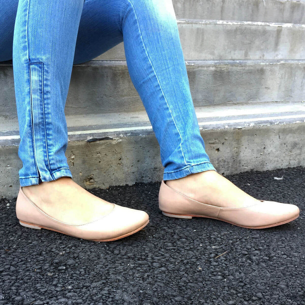 Darby Nude Leather Flats – Mala