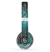 The Aged Blue Victorian Striped Wall Skin Set for the Beats by Dre Solo 2 Wireless Headphones