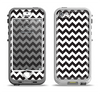 The Black & White Chevron Pattern Apple iPhone 5-5s LifeProof Nuud Case Skin Set