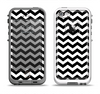 The Black & White Chevron Pattern V2 Apple iPhone 5-5s LifeProof Fre Case Skin Set