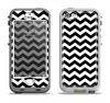 The Black & White Chevron Pattern V2 Apple iPhone 5-5s LifeProof Nuud Case Skin Set