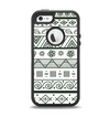 The Black & White Floral Aztec Pattern Apple iPhone 5-5s Otterbox Defender Case Skin Set