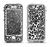 The Black and White Snow Leopard Pattern Apple iPhone 5-5s LifeProof Nuud Case Skin Set