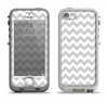 The Gray & White Chevron Pattern Apple iPhone 5-5s LifeProof Nuud Case Skin Set