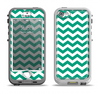 The Green & White Chevron Pattern V2 Apple iPhone 5-5s LifeProof Nuud Case Skin Set