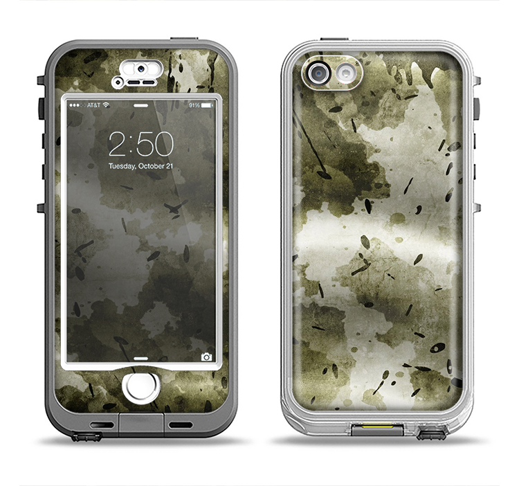 The Grungy Vivid Camouflage Apple iPhone 5-5s LifeProof Nuud Case Skin Set
