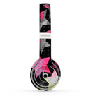The Neon Highlighted Polka Stars On Black Skin Set for the Beats by Dre Solo 2 Wireless Headphones