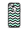 The Teal & Black Wide Chevron Pattern Apple iPhone 5-5s Otterbox Defender Case Skin Set