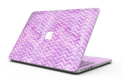 White_Chevron_Over_Purple_Grunge_Surface_-_13_MacBook_Pro_-_V1.jpg