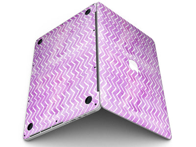 White_Chevron_Over_Purple_Grunge_Surface_-_13_MacBook_Pro_-_V3.jpg