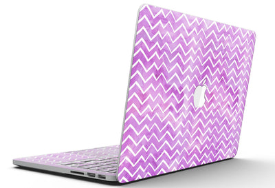 White_Chevron_Over_Purple_Grunge_Surface_-_13_MacBook_Pro_-_V5.jpg