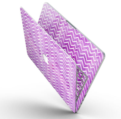 White_Chevron_Over_Purple_Grunge_Surface_-_13_MacBook_Pro_-_V9.jpg