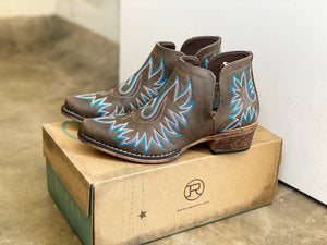 09-021-1567-1286 Roper Ava Brown Boot