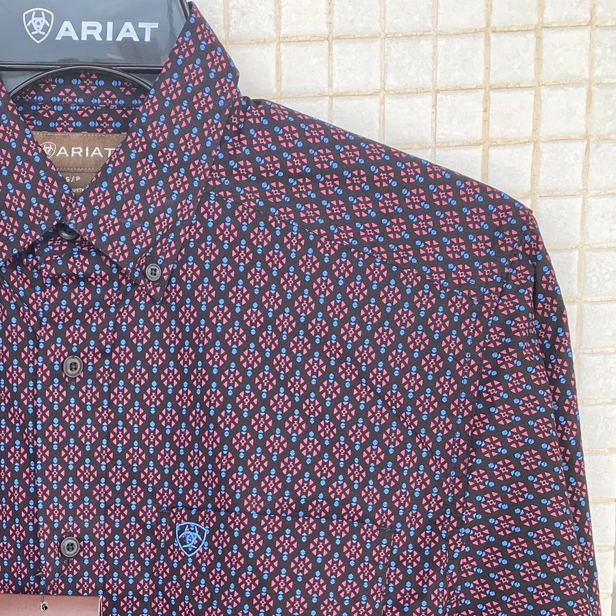 10028306 ARIAT MENS CLASSIC LONG SLEEVE SHIRT