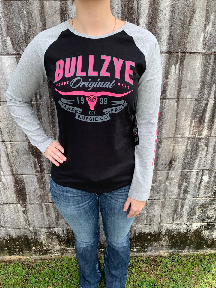 B1W2506052 Ladies Bullzye Hard Fast Long Sleeve Raglan Tee