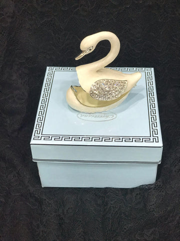 Gift Box - Swan with Magnetic closure for storing special treasures!
