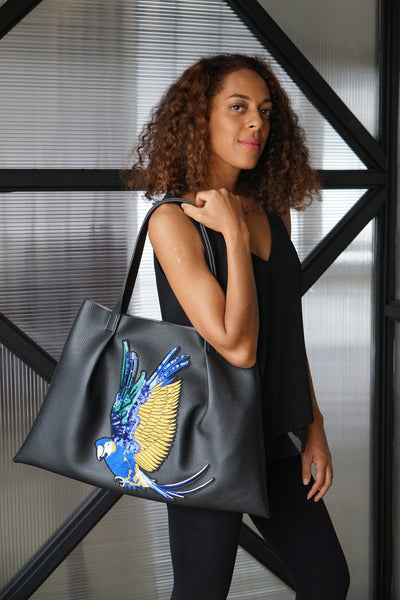 Kesa + Konc - Miha Parrot Shoulder Bag - Black
