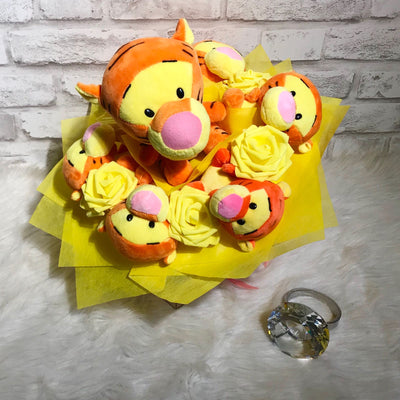 Pooh Family Round Bouquet (PFR02C)