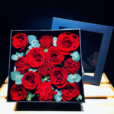Box Of Roses & Carnations (FD072)