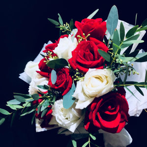 Red and White Roses (FD042)