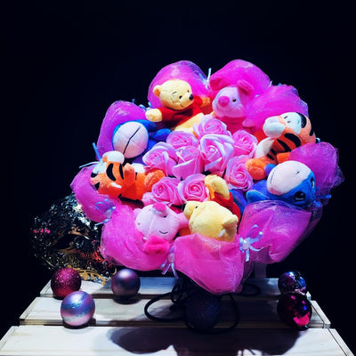Pooh Family Round Bouquet (PFR01)