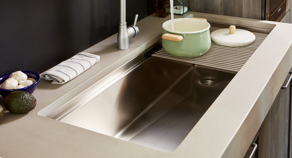 stainless steel undermount sink with cutting board and colander