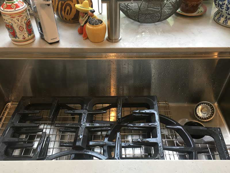Heavy Duty Sink Protection with Innovative Kitchen Accessories