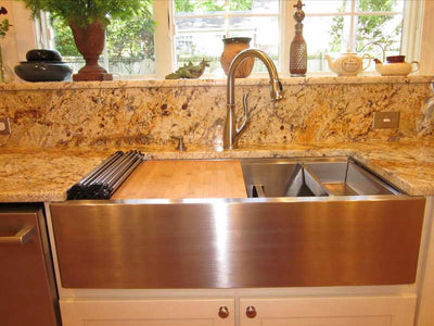 Ledge Accessory Package in Apron Front Sink