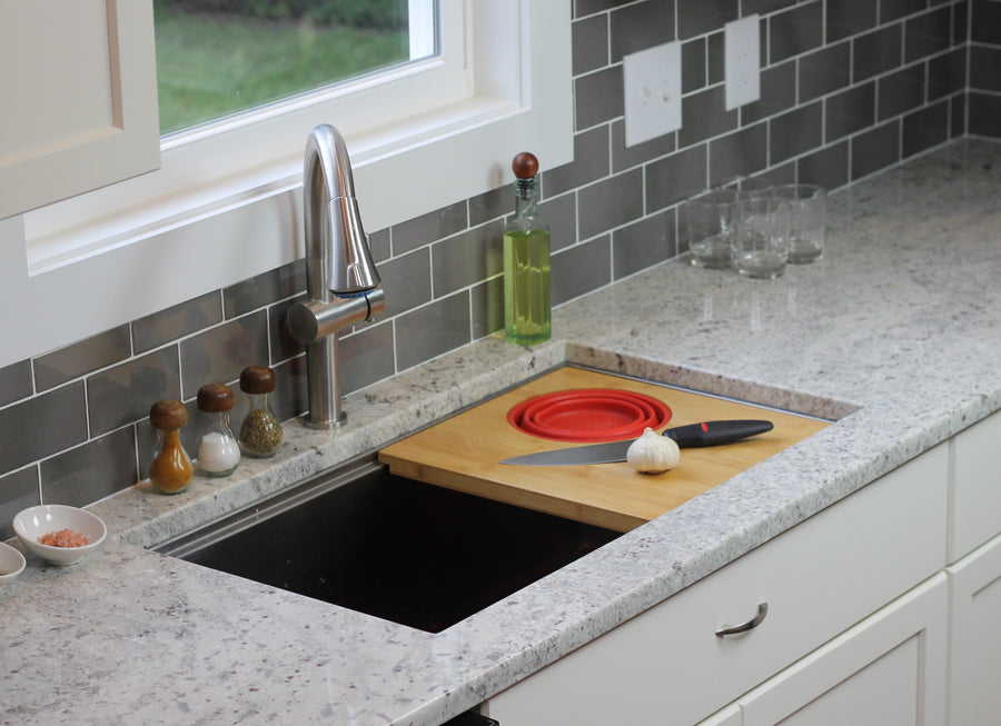 Ledge sink accessory cutting board with silicone colander