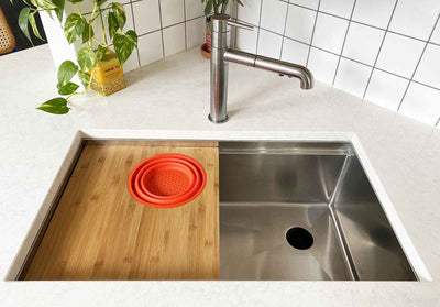 High end stainless steel undermount sink with seamless drain and accessories