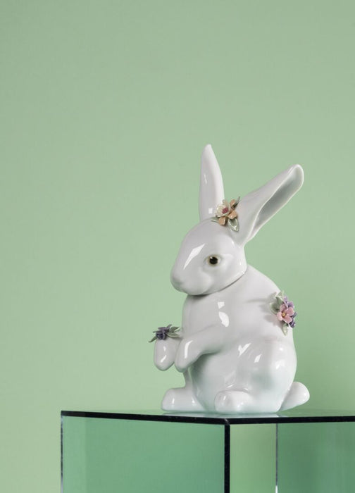Sitting Bunny with Flowers 1006100