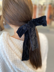 Verna Velvet Scrunchie in Black