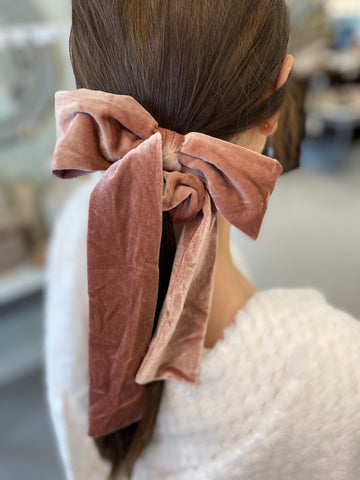 Verna Velvet Scrunchie in Blush