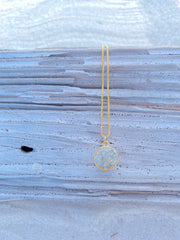 Dune Sand Globe Necklace - gold