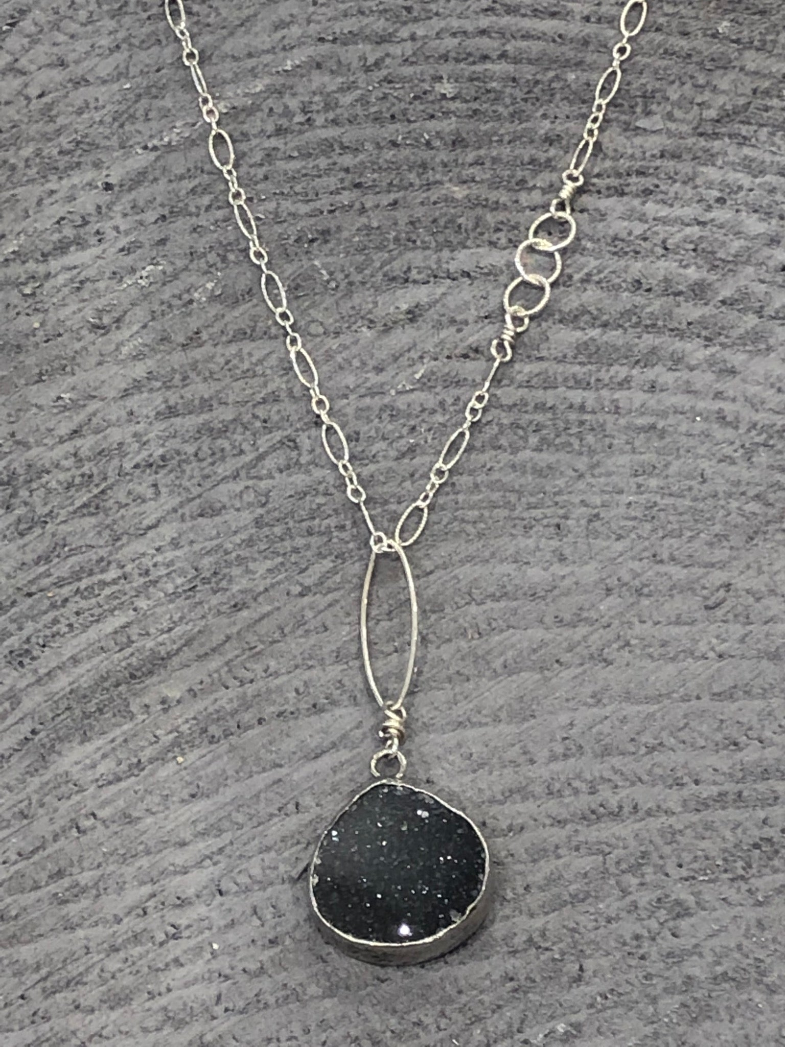 Midnight Druzy Pendant nh Necklace