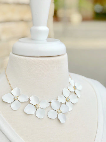 White Flower Short Laila Necklace in Gold