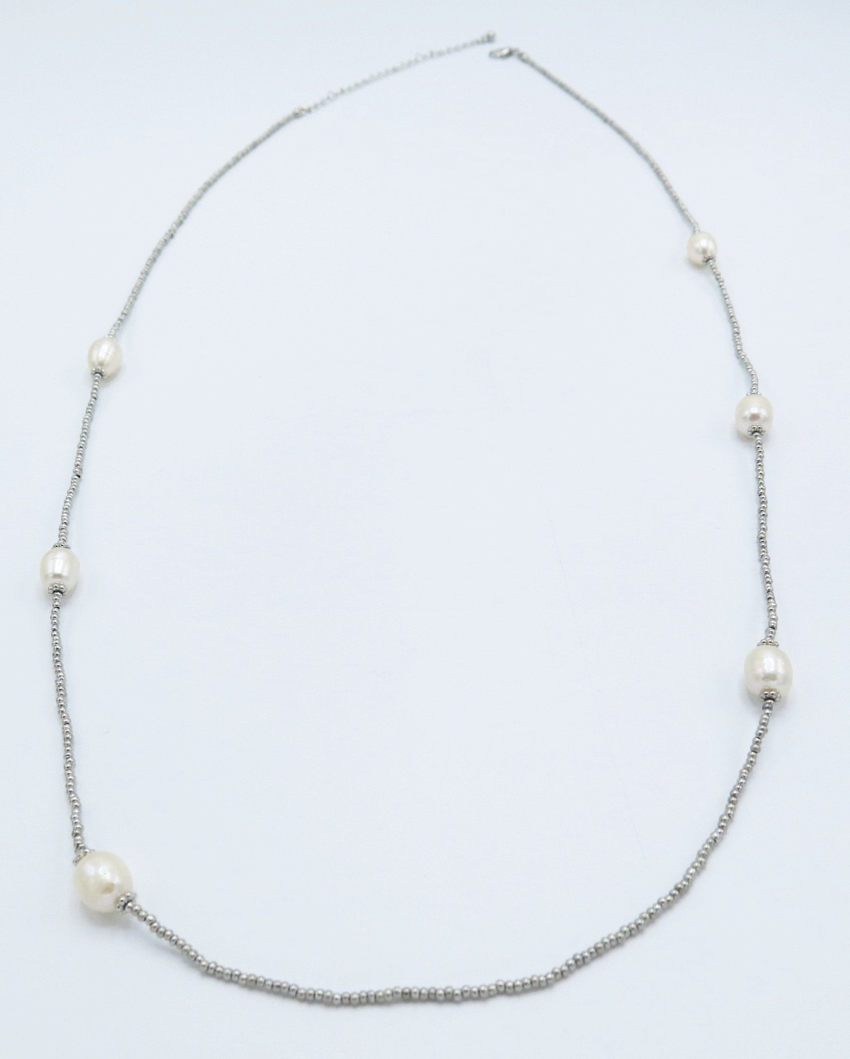 Long Silver Beaded Necklace with Pearls in Silver