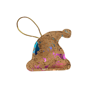 Capture the carefree joy of Santa's magic with the natural cork Santa's hat with multicolored foil.