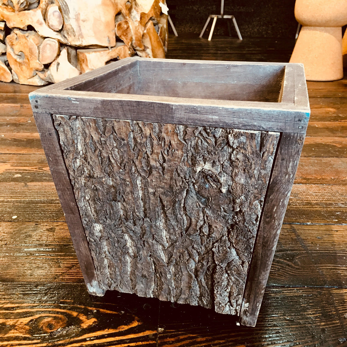 Wood Planter (Medium) - Naturally Anti-Microbial Hypoallergenic Sustainable Eco-Friendly Cork