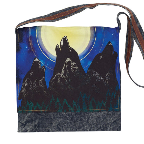 Howling Wolves Graphic Print Messenger Bag