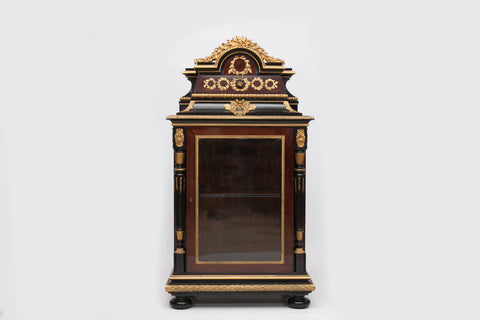 AN EXHIBITION QUALITY DISPLAY CABINET BY JOESPH CREMER, PARIS - REF No. 4007