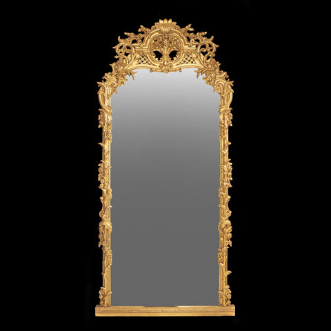 AN EXCEPTIONAL REGENCY CARVED GILTWOOD CONVEX MIRROR - REF No. 6011