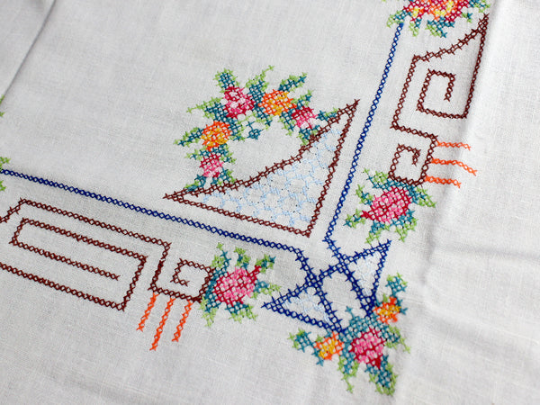 Vintage Tablecloth, Cross Stitched, Small Linen Table Cloth, 12347 - The Vintage Teacup - 4