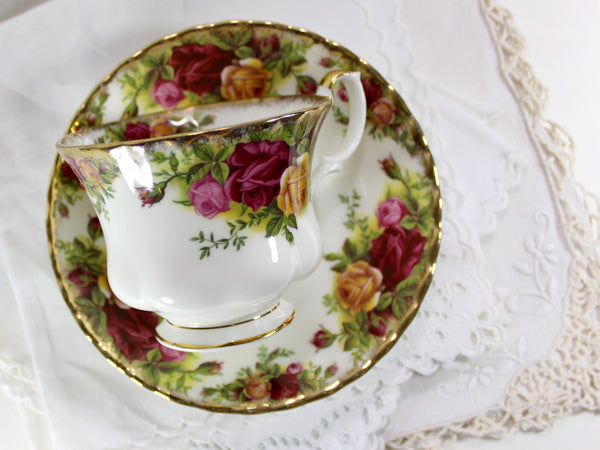 Royal Albert Old Country Roses, Marked 1962, Teacup Tea Cup and Saucer England 15445 - The Vintage Teacup