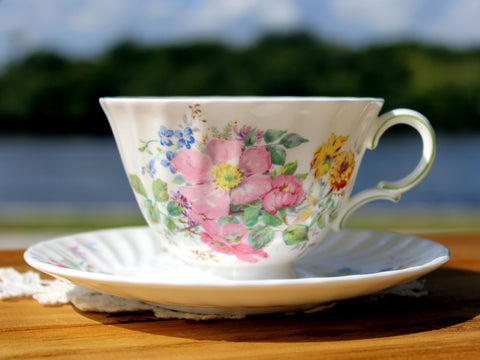 Royal Doulton Arcadia Tea Cup and Saucer - English Bone China 12996 - The Vintage Teacup - 1