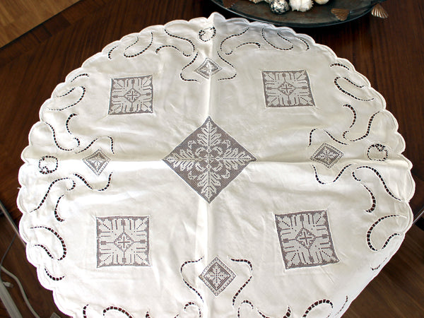 Linen and Lace Insert Tablecloth, Small Circular White Linen Table Cloth, 13008 - The Vintage Teacup - 5