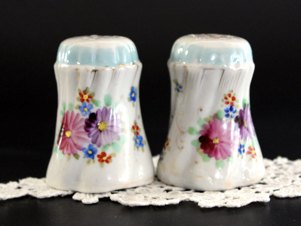 Salt and Pepper Shakers, Hand Painted China, Salt and Pepper, Made in Japan, 1950s 13185
